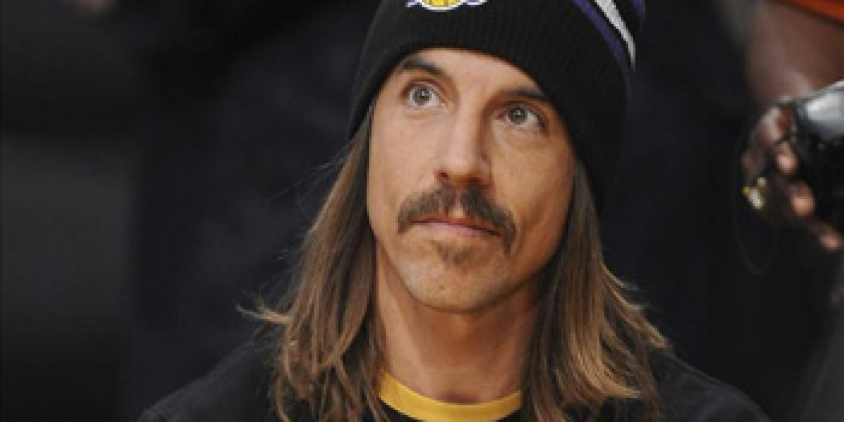 Anthony Kiedis de Red Hot Chili Peppers, hospitalizado de urgencia
