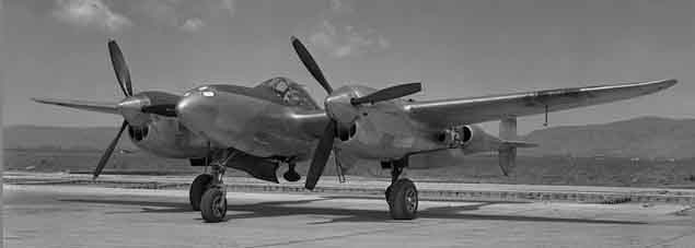 P-38 worldwartwo.filminspector.com P-38L