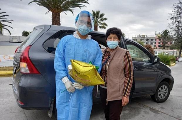Arequipa: joven de 23 años vence al covid-19 tras un mes en cuidados intensivos