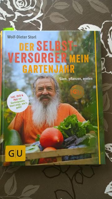 Der Selbstversorger mein Gartenjahr Wolf Dieter Storl wann mache ich was im Garten (c) by Joachim Wenk