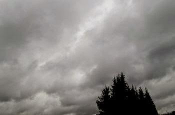Über den dunklen Wolken herrscht das schönste Wetter