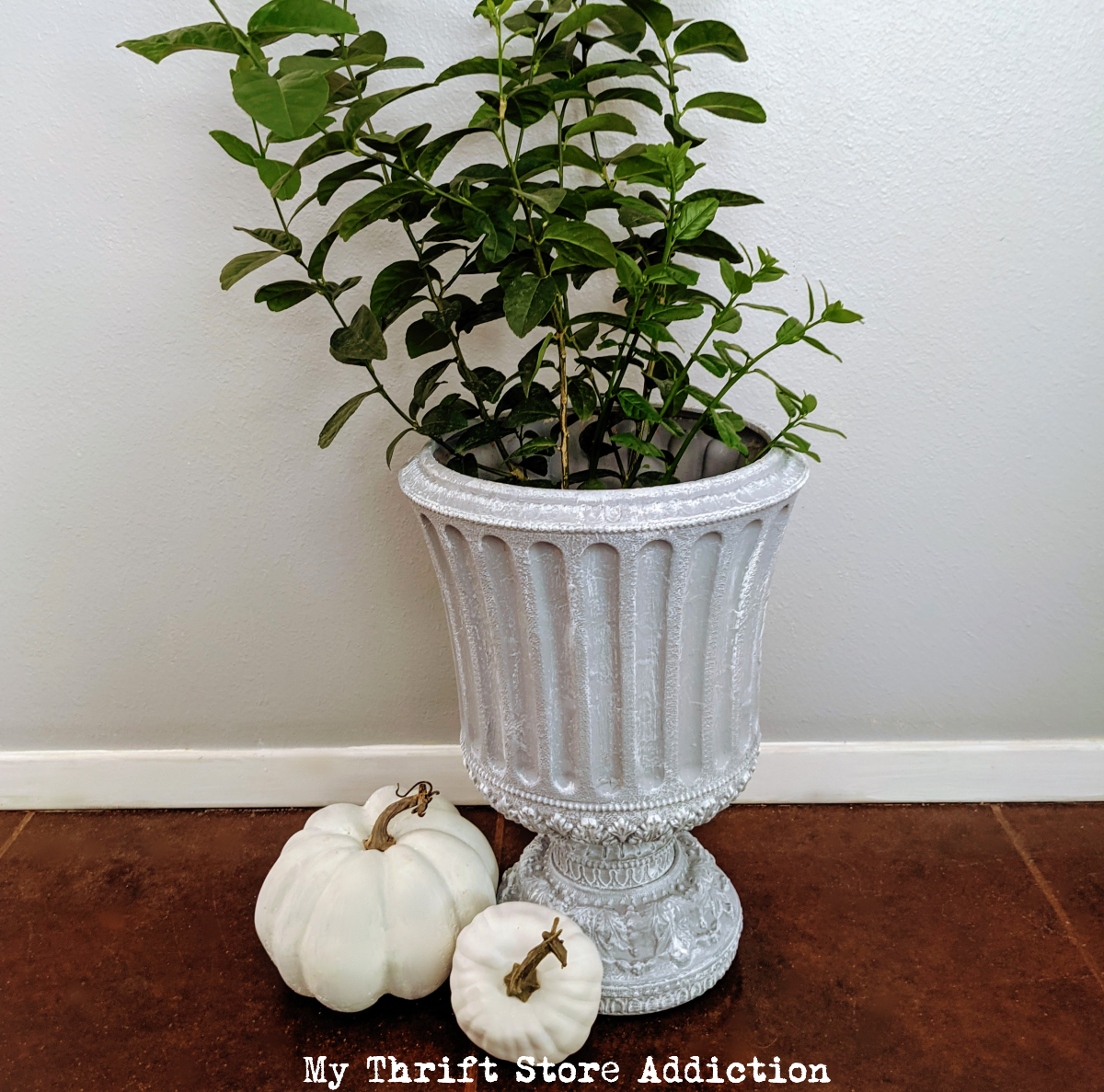 DIY faux concrete urn