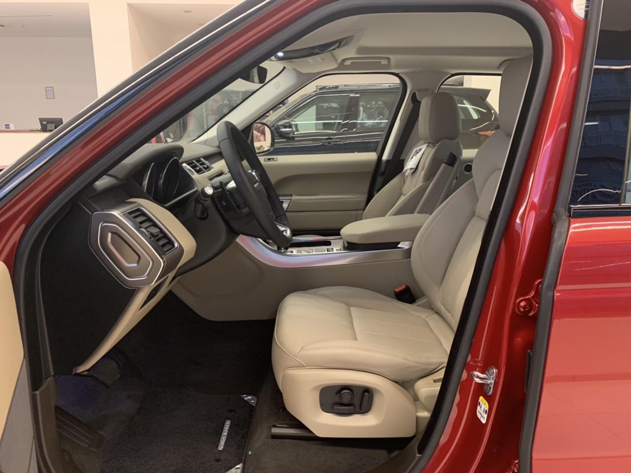 Range Rover Sport HSE Màu Đỏ Sản Xuất Tại Nước Anh Bao Nhiêu Tiên Khi Vè Viẹt Nam, Range Rover Mẫu Nào đẹp nhất, Xe 5 chỗ và 7 chỗ giá thấp nhất bao nhiêu tiền
