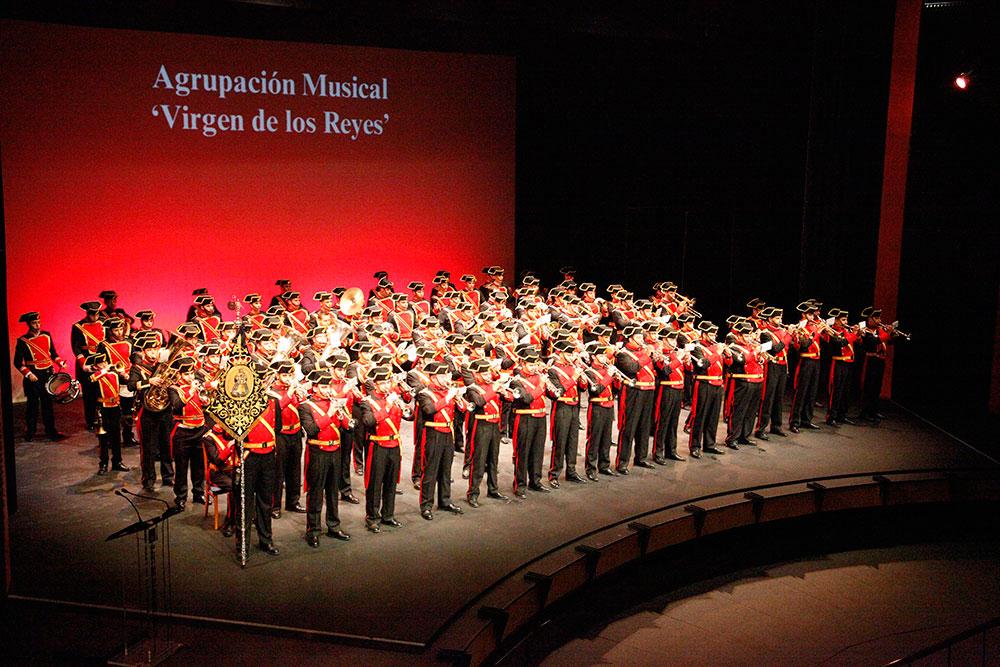 Pasi n por mvnda la agrupaci n musical virgen de los for Mudanzas virgen de los reyes