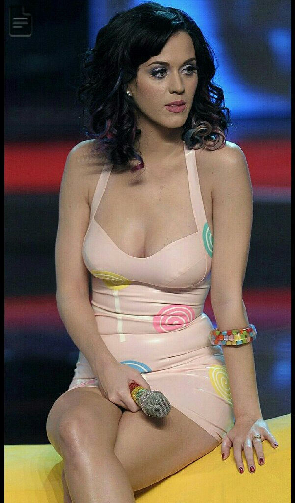 20 Hottest Pictures Of American singer Katy Perry   Hot Dress Photos Katy Perry