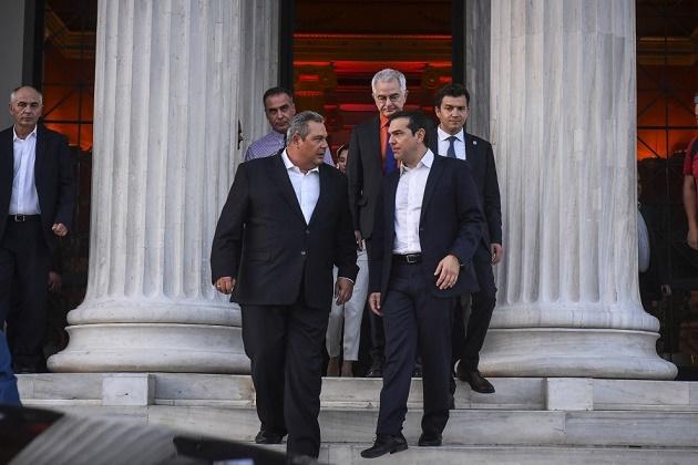 Η Μεταπολίτευση τελείωσε με τους καταστροφικούς ΣΥΡΙΖΑΝΕΛ