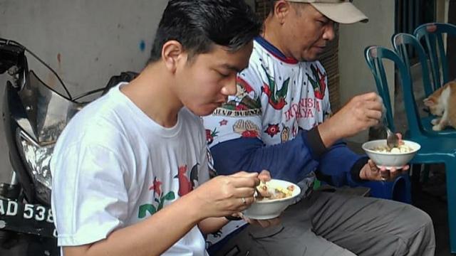 Elite PD Minta Gibran Serahkan Diri ke KPK, Refly: Yang Makan Dana Bansos Harus Tanggung Jawab