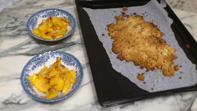 Crumble mangue-amandes