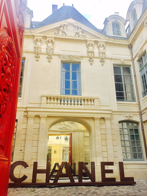 Boutique CHANEL rue Vieille du Temple Paris IV