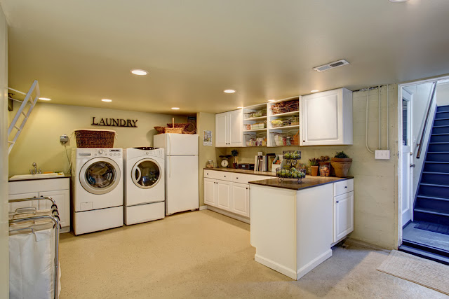 cool farmhouse decor ideas for laundry room