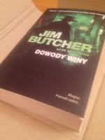 """Dowody winy"" Jim Butcher, fot. paratexterka ©"