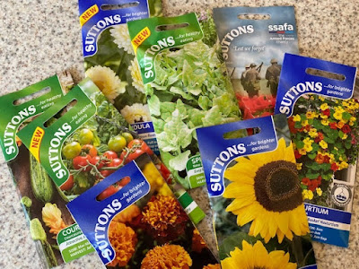 Big pile of seed packets