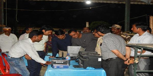 Matgadna-kadi-suraksha-evam-CCTV-camero-ki-nigraani-ke-beech-karayi-jayegi-DM