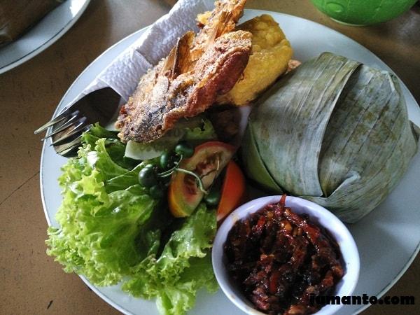 nasi timbel ikan