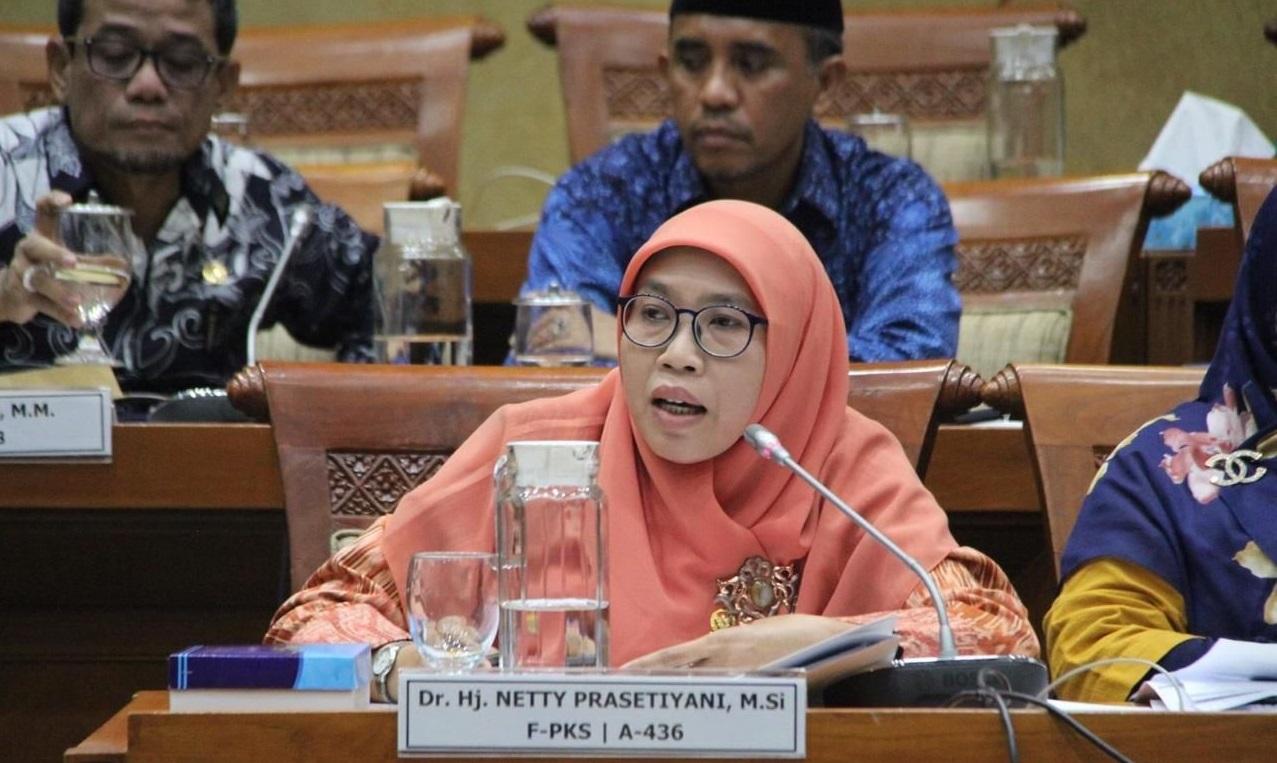 Presiden Akui PPKM Tidak Efektif, PKS: Pemerintah Seharusnya Kerja Ekstra Cari Terobosan