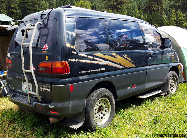 Mitsubishi Delica rear view: Seen last year, this Delica is one of our favorites at the event!