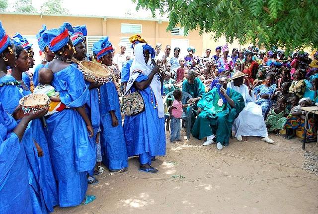 Danse, Peul, musique, artiste, chanteur, divertissement, loisir, culture, wango, Yéla, ethnie, LEUKSENEGAL, Dakar, Sénégal, Afrique