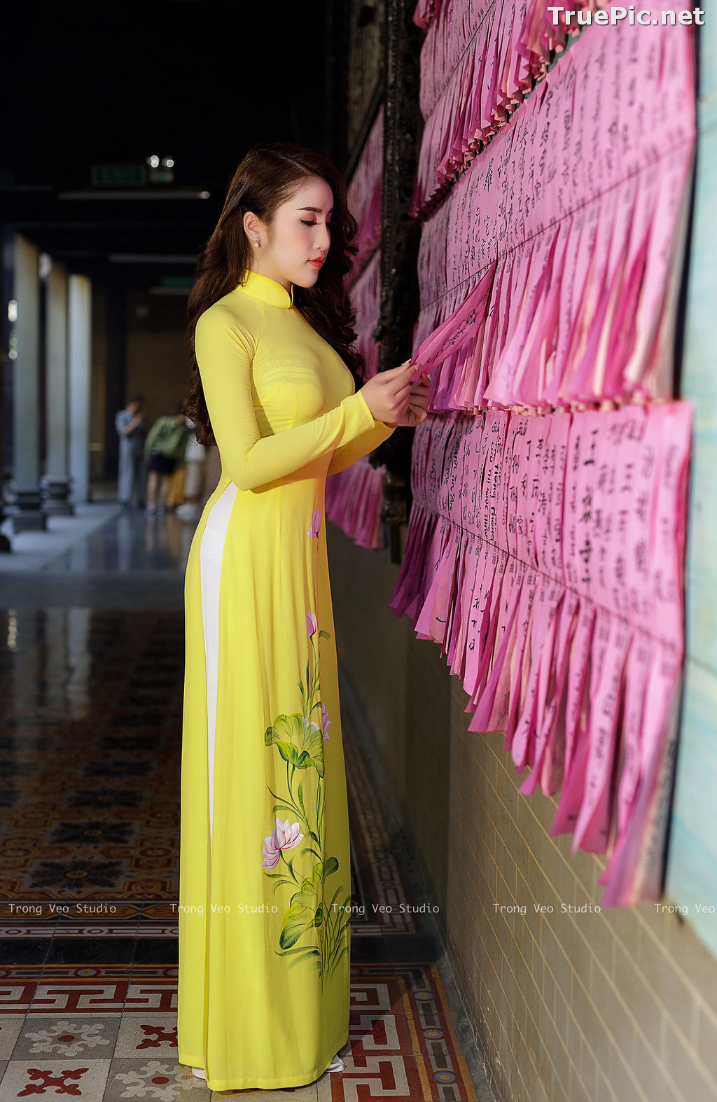 Image The Beauty of Vietnamese Girls with Traditional Dress (Ao Dai) #4 - TruePic.net - Picture-8