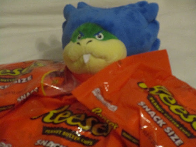 Ludwig Von Koopa plushie plush Reese's Peanut Butter Cups snack size bags Halloween