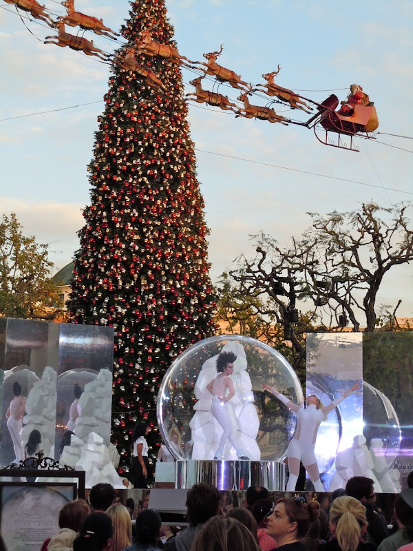 Glitter and Ice skaters at The Grove
