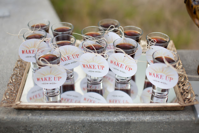 alternative+wedding+offbeat+morning+early+sunrise+breakfast+brunch+hike+hiking+rustic+pink+purple+yellow+orange+elope+elopement+small+unique+bride+groom+centerpiece+centerpieces+buffet+becca+rillo+photography+2 - The Brunch I Do's