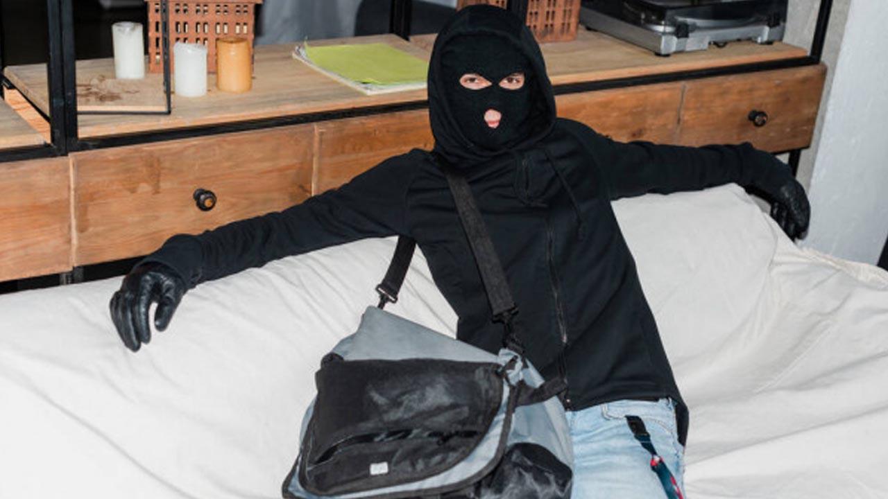 Ladrão rouba dois restaurantes e responderá pelo crime em liberdade