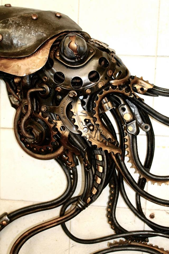20-Multiplying Squidipus-Alan-Williams-Animals-Sculptured-with-Recycled-and-Upcycled-Metal-www-designstack-co