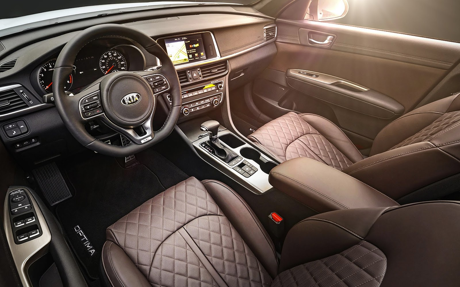 The 2016 Optima S Roomier Interior Means Its Got More E Than Benchmark Models Like Honda Accord And Toyota Camry