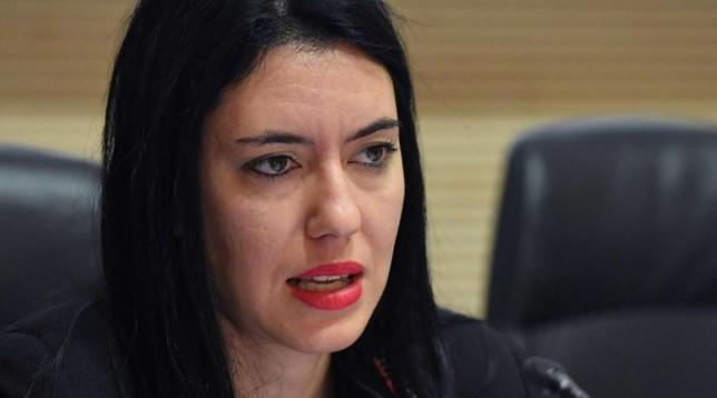 Insultava Lucia Azzolina: assunto al ministero
