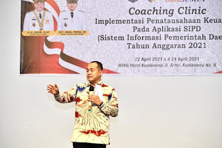 Bupati Batu Bara Tutup Coaching Clinic Implementasi SIPD