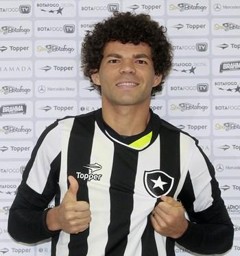 O Barão quer saber: quem é melhor, Messi ou Camilo?