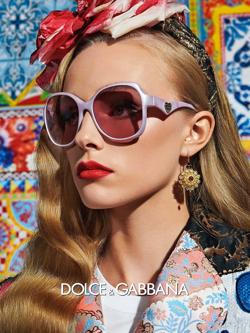 Stylish frames stand out in Dolce & Gabbana Eyewear spring-summer 2021 campaign.