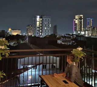 Hits Lokasi 2 Cafe Rooftop Mibimibi Surabaya yang Instagramable