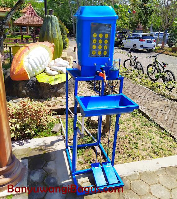 Tempat cuci tangan di Doesoen Kakao
