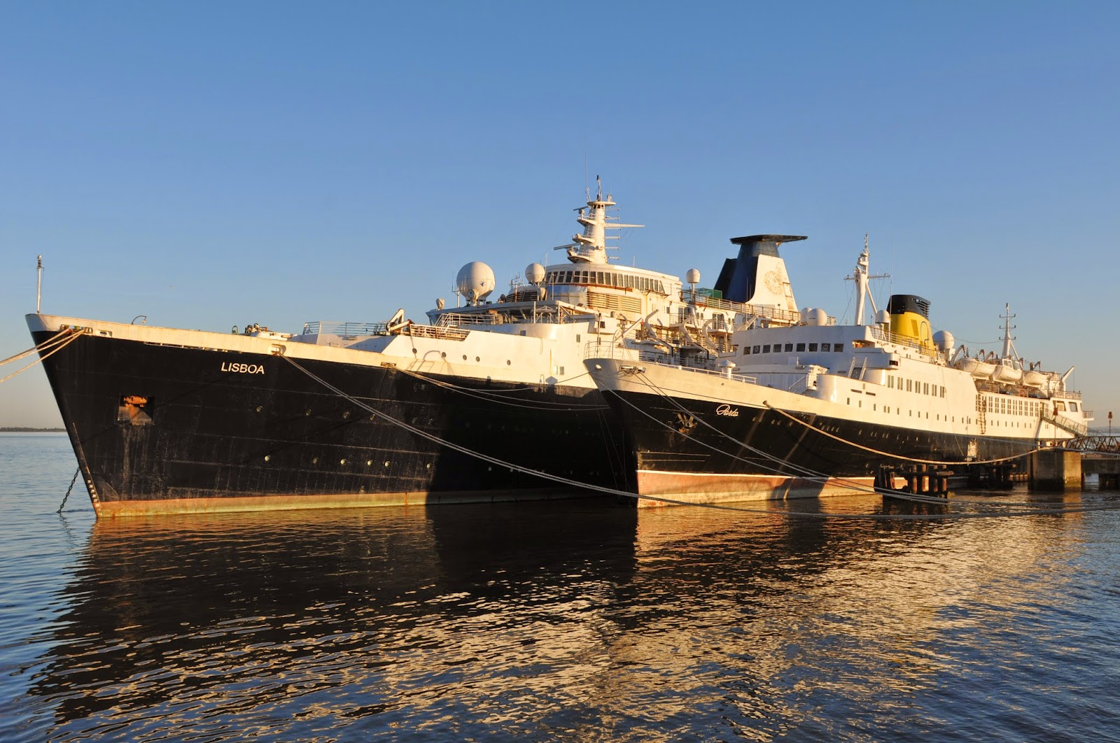 The Portuguese passenger ship LISBOA launched 60 years ago in Belfast as  PORT MELBOURNE b39b4ae499415
