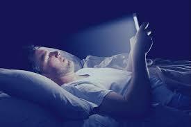 Kebiasaan Buruk Menggunakan Smartphone yang Bahaya Untuk Tubuh The Zhemwel