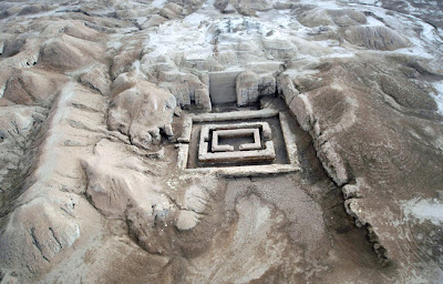 Iraqis, foreign teams work together to excavate ancient sites
