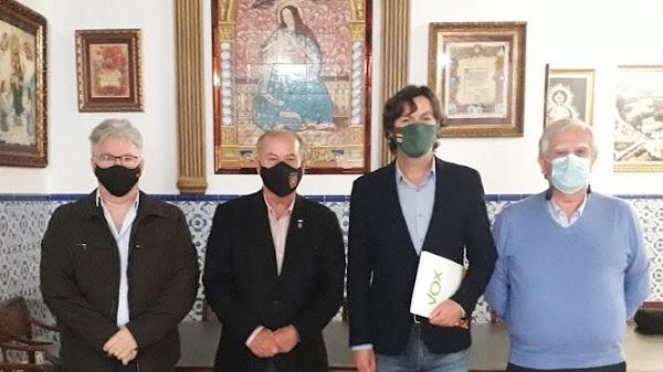 Vox muestra su apoyo al Consejo de Hermandades y Cofradías de Huelva