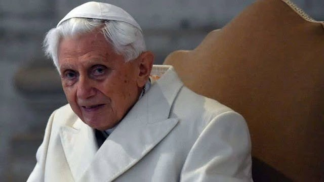 Bento XVI diz em carta que anseia pela morte 'em breve'