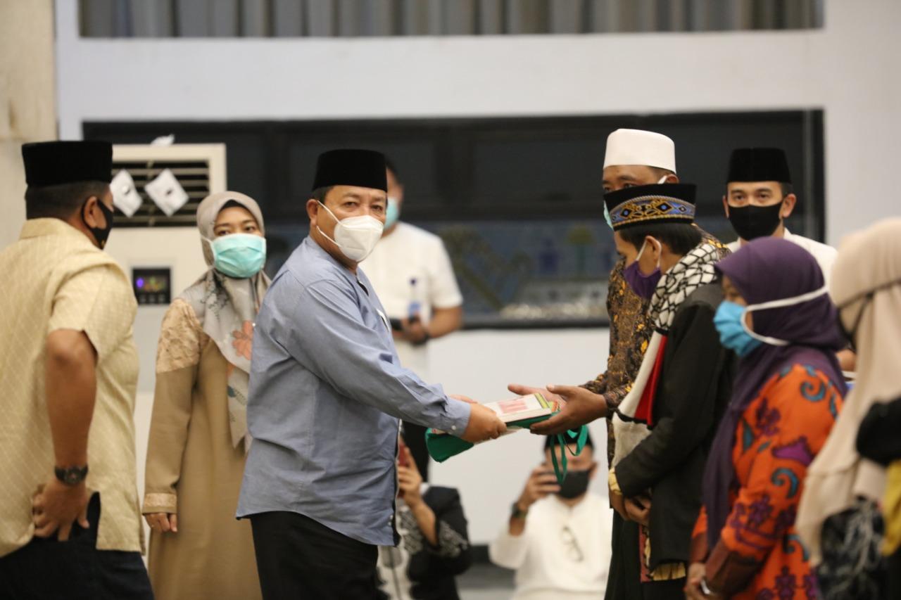 Berhasil Tekan Angka Covid-19 dan Raih Berbagai Prestasi, Gubernur Arinal Adakan Syukuran dengan Memberi Bantuan kepada 72 Hafiz/Hafizah