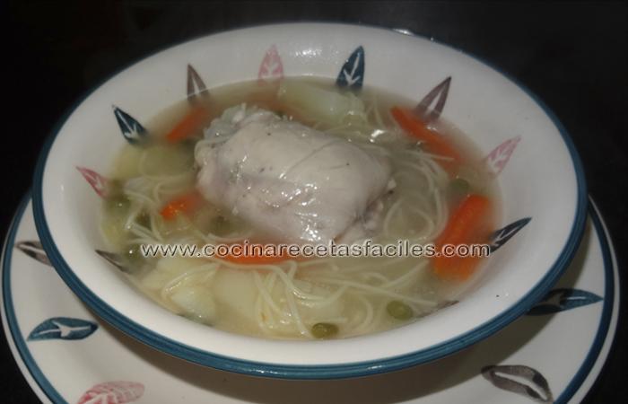 Prepara una deliciosa y rápida sopa de pollo y acompaña tus comidas con lo mejor de nuestra receta y vence al frió con una buena sopa casera.