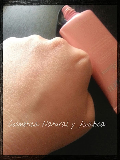 tosowoong-soft-touch-suncream-spf32-detalle
