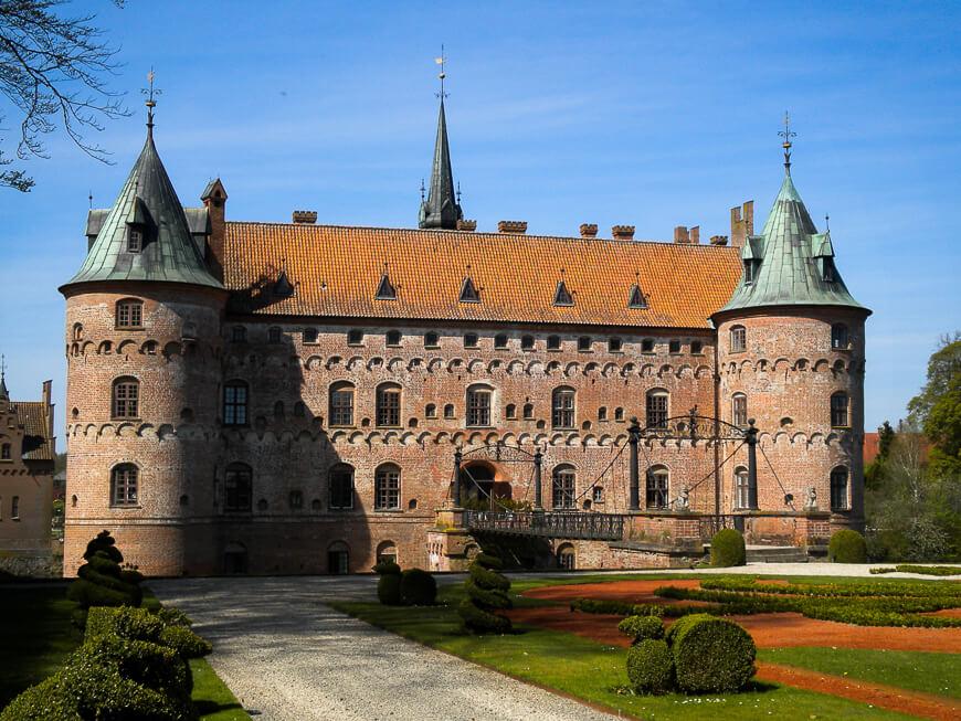 zamek Egeskov w Danii