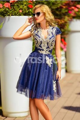 Rochie bleumarin scurta de ocazie cu valoanse si broderie florala si paiete aurii