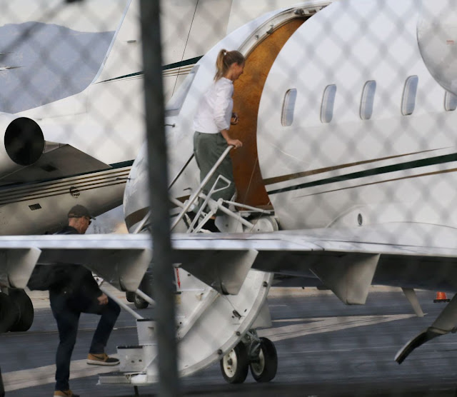 Photos of Gwyneth Paltrow Boarding In A Private Jet In Van Nuys