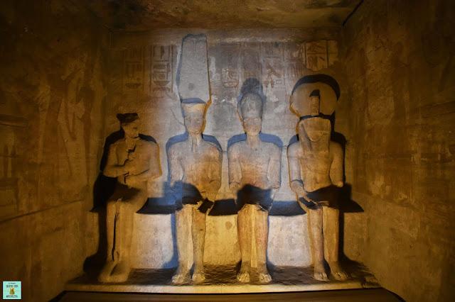 Santuario en el templo de Ramsés II, Abu Simbel