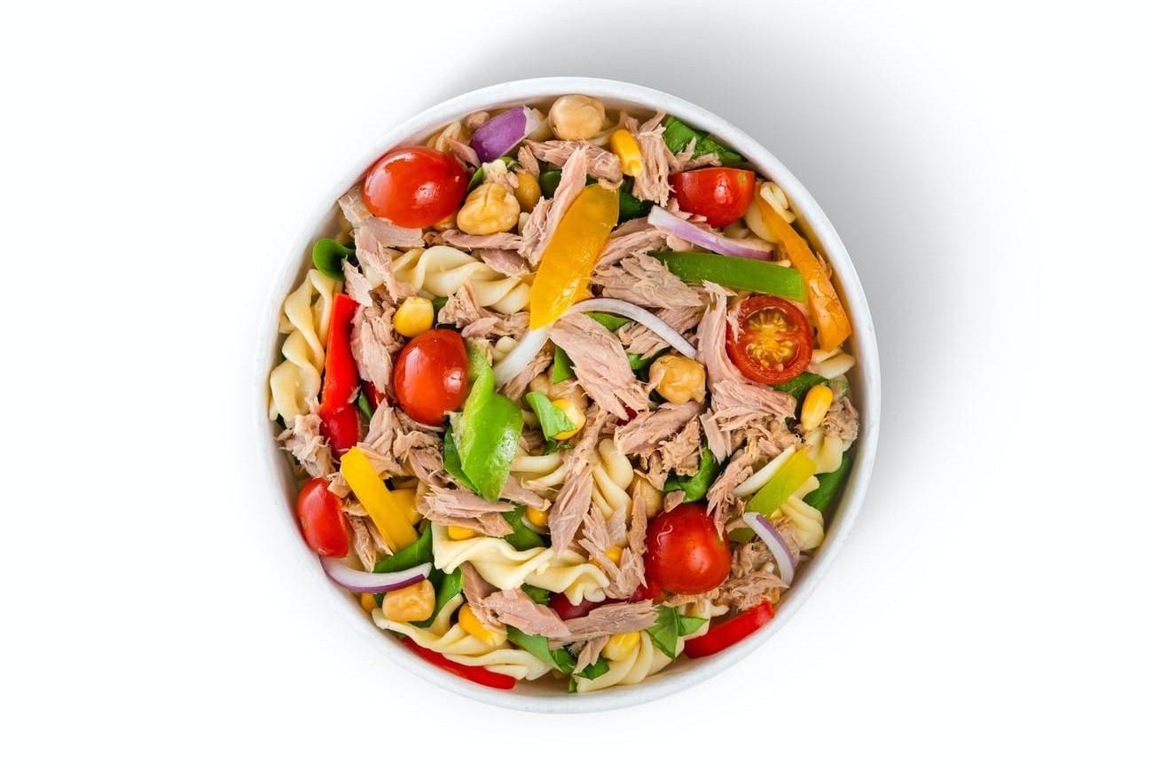 How to prepare tuna salad with mayonnaise