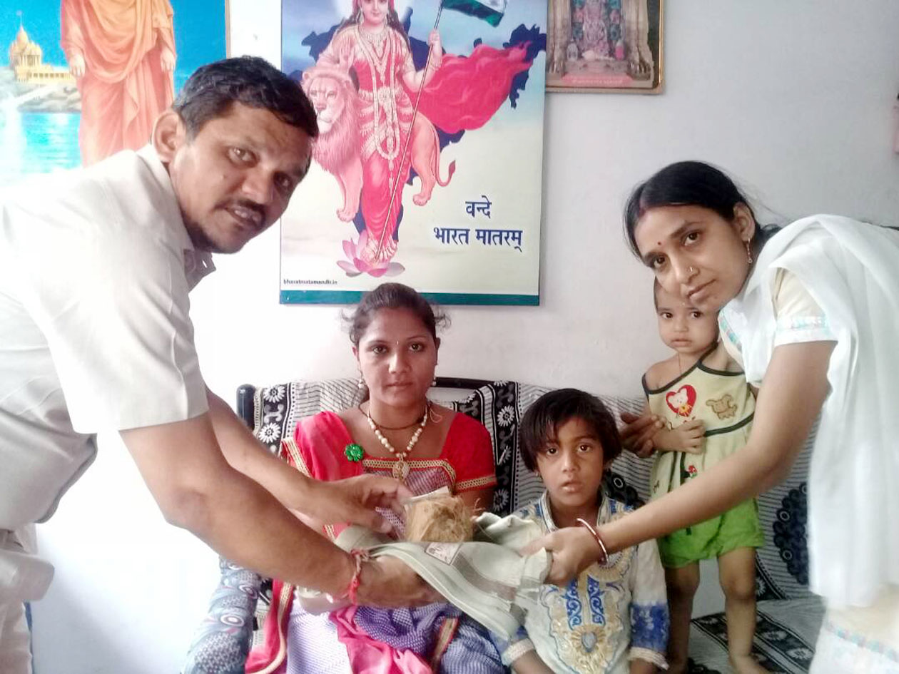 Asha-Parmarthik-Trust-honors-three-welfare-of-the-city-आसरा पारमार्थिक ट्रस्ट ने शहर की तीन कल्याणियों का किया सम्मान
