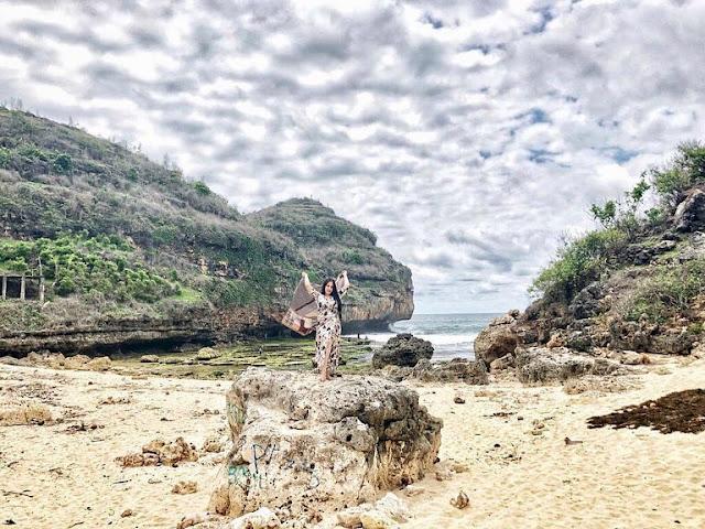 Pantai Butuh Gunung Kidul Jogja