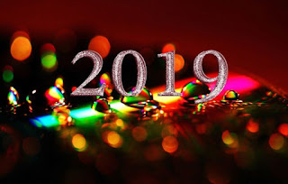 Ο ΔΥΤΙΚΟΣ ΛΟΓΟΣ σας εύχεται μια χαρούμενη, δημιουργική, γεμάτη όνειρα, μηνύματα, προκλήσεις Νέα Χρονιά με όμορφες & ξεχωριστές στιγμές! Χρώματα, ήχοι, μουσικές & αρώματα να ομορφαίνουν την κάθε μας μέρα!